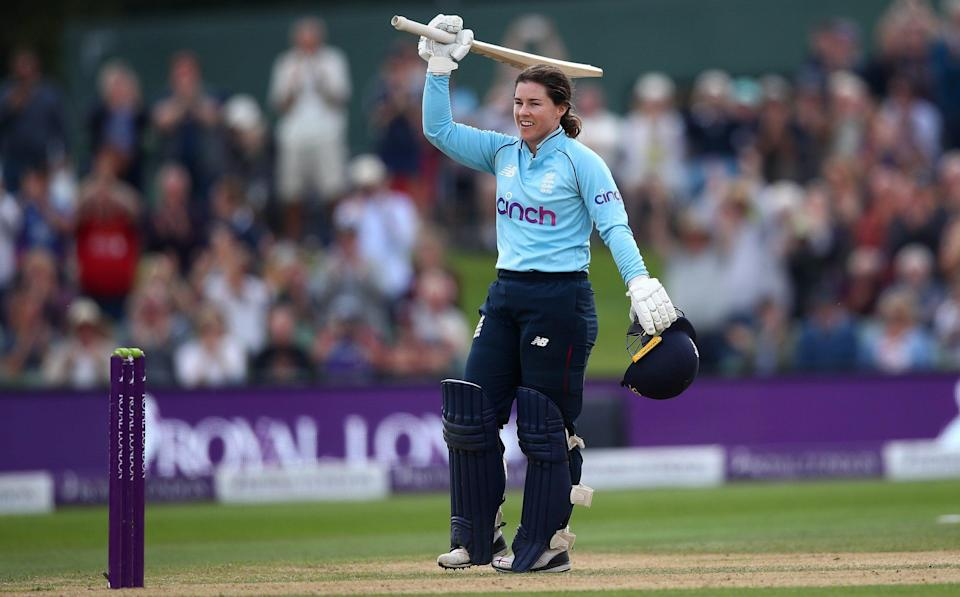 Tammy Beaumont cruises to stylish century as England thrash New Zealand to end summer on a high - GETTY IMAGES