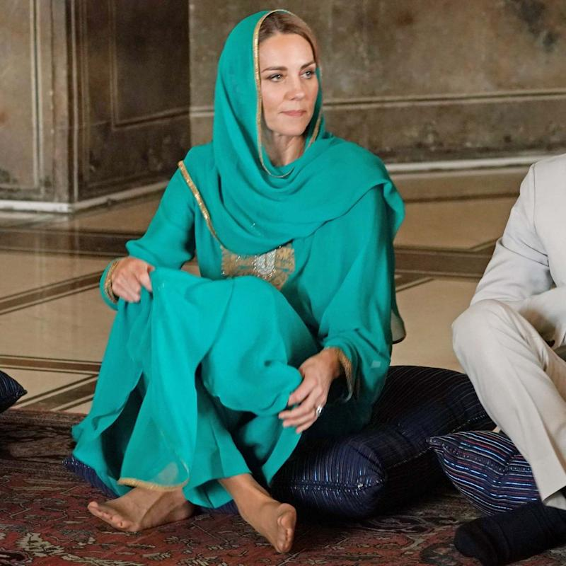 Kate wore a scarf by Pakistani designer Maheen Khan (Getty Images)