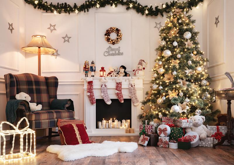 Shop now and save - until next year the Christmas decoration will be child's play.