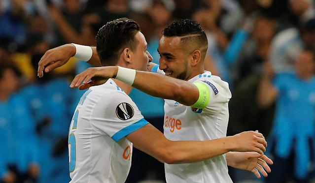 Soccer Football - Europa League Semi Final First Leg - Olympique de Marseille vs RB Salzburg - Orange Velodrome, Marseille, France - April 26, 2018 Marseille's Florian Thauvin celebrates with Dimitri Payet after scoring their first goal REUTERS/Jean-Paul Pelissier