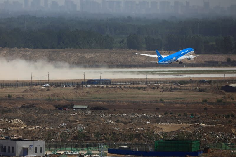 China's aviation industry suffers $4.9 billion loss in second-quarter on coronavirus jolt