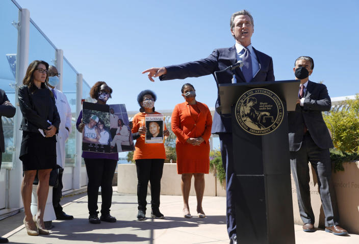 Image: Gov. Newsom Holds News Conference On California Assault Weapons Ban Case (Justin Sullivan / Getty Images)
