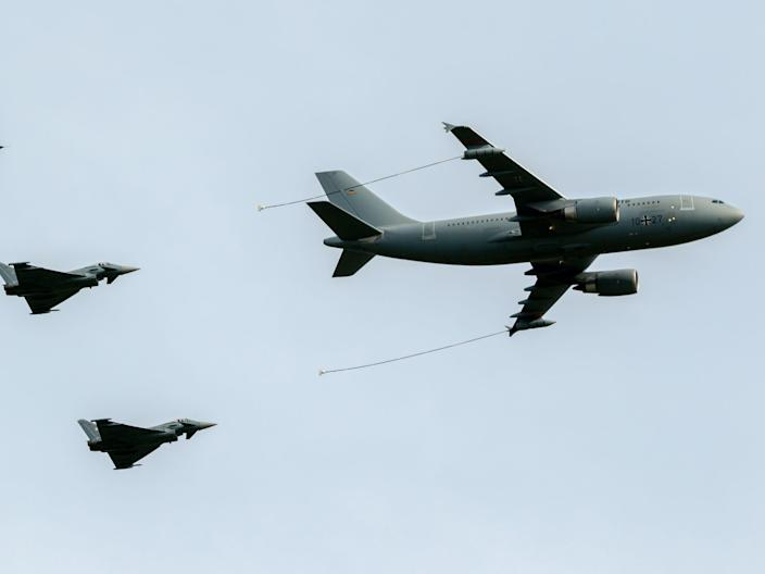 Airbus A310 MRTT air to air refueling