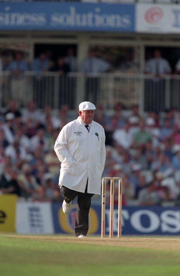 27 Aug 1998:  Umpire David Shepherd performs his superstitious jig when the score was on a Nelson (111, 222, 333, and so on) during the England v Sri Lanka Test match at the Oval in London. \ Mandatory Credit: Laurence Griffiths /Allsport