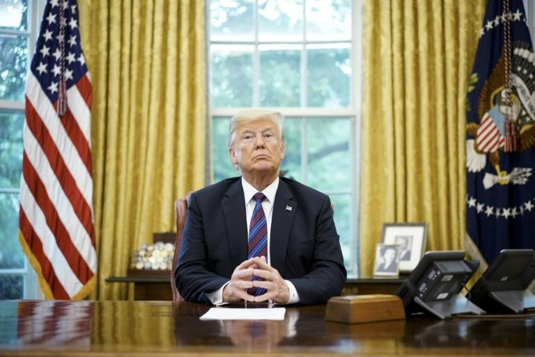 US President Donald Trump has called for the unmasking of an anonymous senior official who wrote an op-ed in the New York Times saying staff are against him