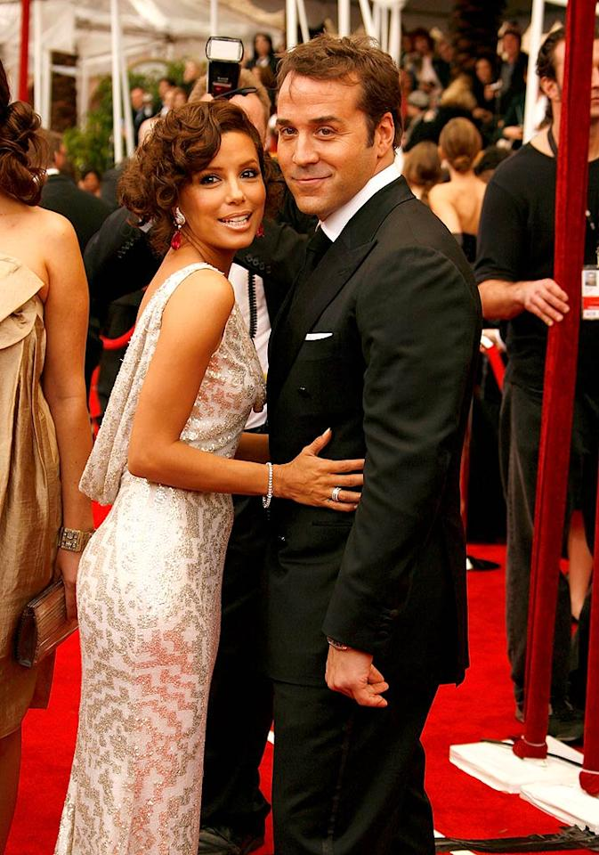 """Eva Longoria gets cozy with Jeremy Piven. Yes, Jeremy really is that short in real life. Jeff Vespa/<a href=""""http://www.wireimage.com"""" target=""""new"""">WireImage.com</a> - January 27, 2008"""