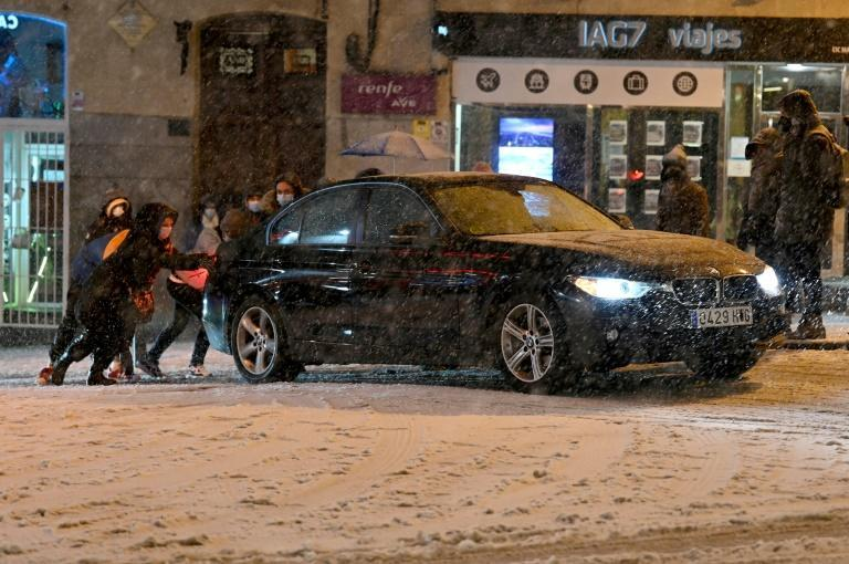 In the capital, there was chaos on the roads as the police and passersby struggled to help drivers stranded in the snow