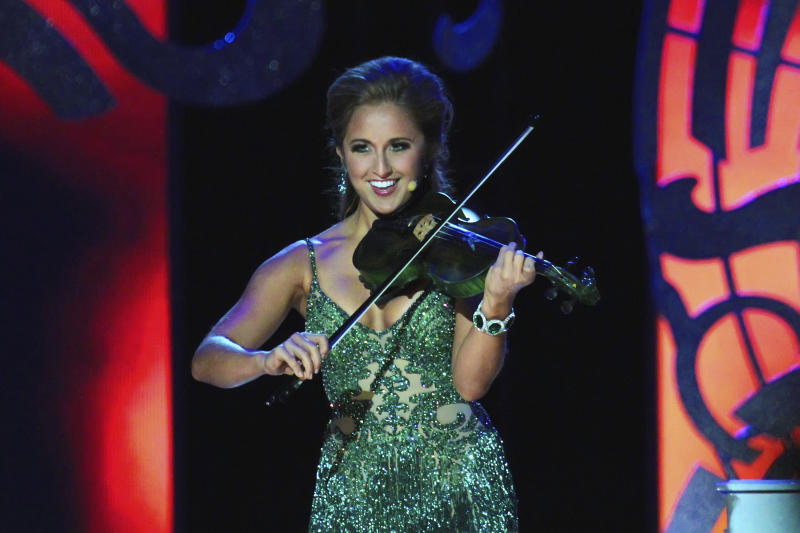 Ramsey BethAnn Bearse performing at a 2015 Miss America preliminary contest. Source: Getty