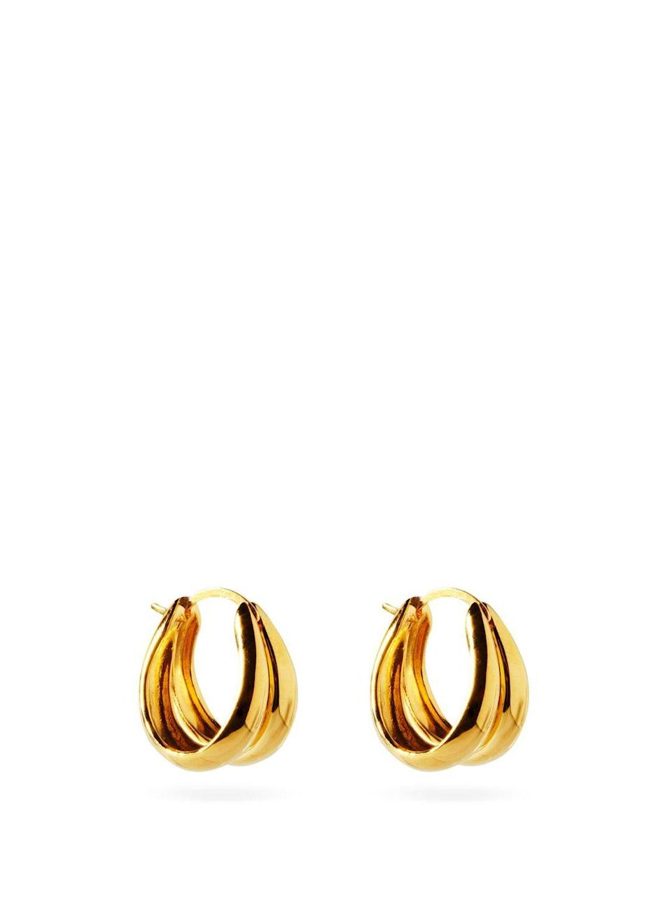 """<p>Sophie Buhai</p><p>Was £330.00</p><p>Now £231.00</p><p><a class=""""link rapid-noclick-resp"""" href=""""https://go.redirectingat.com?id=127X1599956&url=https%3A%2F%2Fwww.matchesfashion.com%2Fproducts%2FSophie-Buhai-Double-18kt-gold-vermeil-hoop-earrings-1389251&sref=https%3A%2F%2Fwww.elle.com%2Fuk%2Ffashion%2Fwhat-to-wear%2Fg36616066%2Fmatches-fashion-sale%2F"""" rel=""""nofollow noopener"""" target=""""_blank"""" data-ylk=""""slk:SHOP NOW"""">SHOP NOW</a></p><p>Simple gold hoops are always a winner. </p>"""