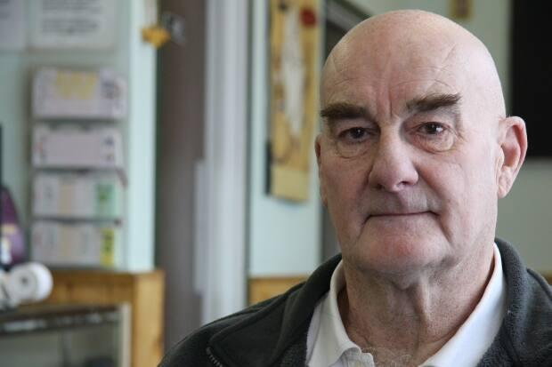 Norman Wells Mayor Frank Pope has penned a letter to MACA Minister Shane Thompson demanding the department reimburse communities for expenses incurred to keep community members safe throughout the pandemic.  (Radio Canada - image credit)