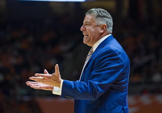 Bruce Pearl during Auburn's Jan. 2 game against Tennessee. (Getty)