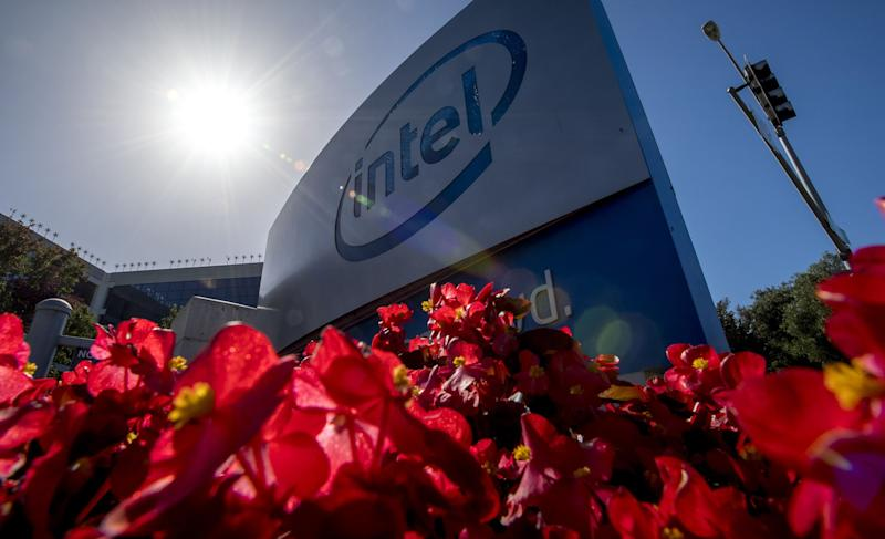 Intel Delays 7-Nanometer Chips Until Late 2022 or Early 2023