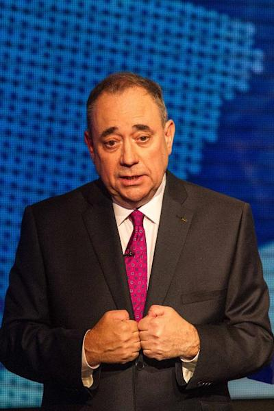 Scotland's First Minister Alex Salmond talks during an STV live television debate on Scottish independence in Glasgow, Scotland on August 5, 2014 (AFP Photo/Peter Devlin)