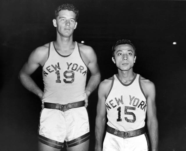 "Wataru Misaka, right, seen with Lee Knorek as a member of the <a class=""link rapid-noclick-resp"" href=""/nba/teams/new-york/"" data-ylk=""slk:New York Knicks"">New York Knicks</a>. (George Torrie/NY Daily News via Getty Images)"