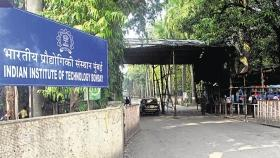 IIT Bombay students conduct lectures on the Preamble