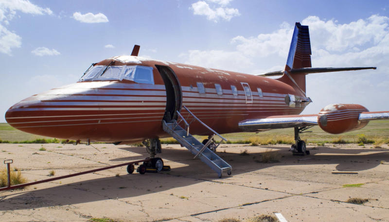 Private jet once owned by Elvis Presley for sale _ again