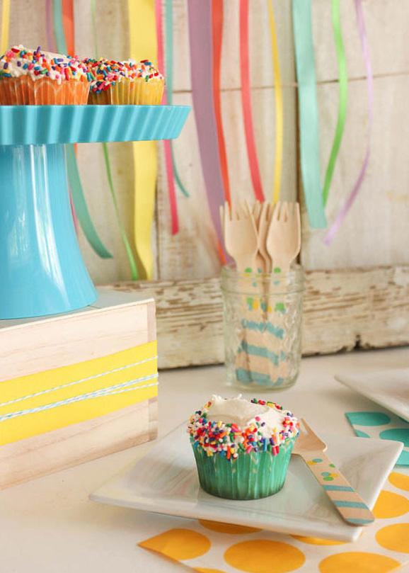funfetti cupcakes 2 50 Creative Date Ideas Youve Never Thought Of