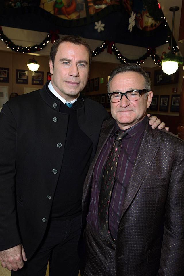 "<a href=""http://movies.yahoo.com/movie/contributor/1800019533"">John Travolta</a> and <a href=""http://movies.yahoo.com/movie/contributor/1800013042"">Robin Williams</a> at the Los Angeles premiere of <a href=""http://movies.yahoo.com/movie/1809918087/info"">Old Dogs</a> - 11/09/2009"