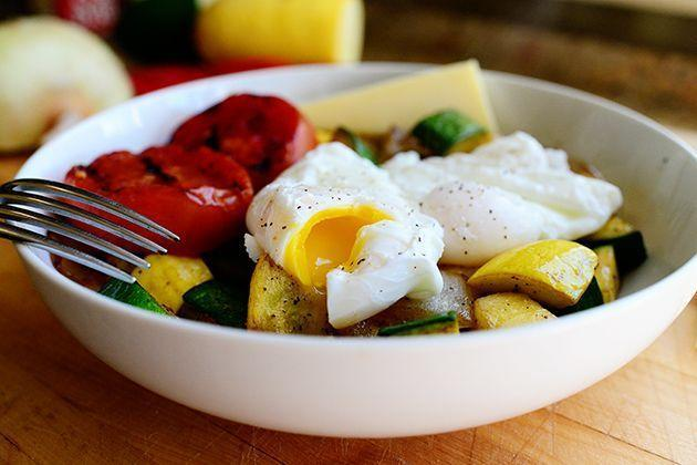 """<p>This carb-free option was inspired by a room service breakfast that Ree had on a trip to New York City. A couple of poached eggs, an array of fresh veggies, and a slice of melty cheese make for a satisfying meal. Use whatever veggies you have on hand!</p><p><strong><a href=""""https://www.thepioneerwoman.com/food-cooking/recipes/a11666/carb-buster-breakfast/"""" rel=""""nofollow noopener"""" target=""""_blank"""" data-ylk=""""slk:Get the recipe."""" class=""""link rapid-noclick-resp"""">Get the recipe.</a></strong></p><p><a class=""""link rapid-noclick-resp"""" href=""""https://go.redirectingat.com?id=74968X1596630&url=https%3A%2F%2Fwww.walmart.com%2Fsearch%2F%3Fquery%3Dpioneer%2Bwoman%2Bbowls&sref=https%3A%2F%2Fwww.thepioneerwoman.com%2Ffood-cooking%2Fmeals-menus%2Fg34922086%2Fhealthy-breakfast-ideas%2F"""" rel=""""nofollow noopener"""" target=""""_blank"""" data-ylk=""""slk:SHOP BOWLS"""">SHOP BOWLS</a><strong><br></strong></p>"""