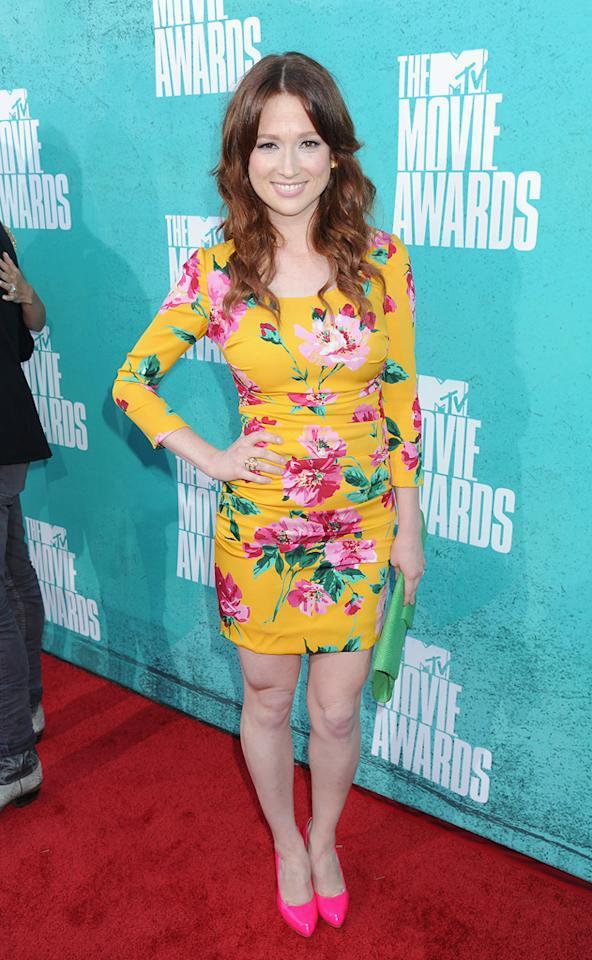 Ellie Kemper arrives at the 2012 MTV Movie Awards.