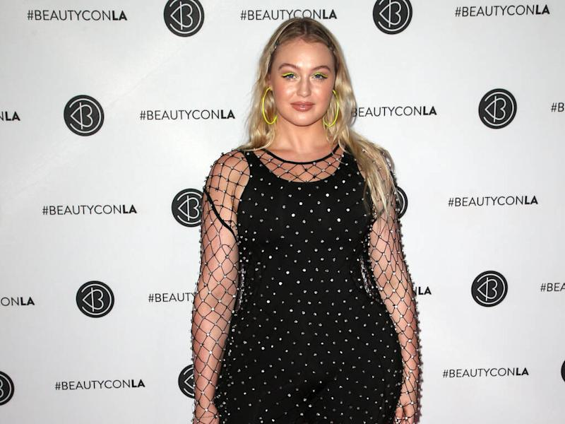 Iskra Lawrence struggling to work out during pregnancy