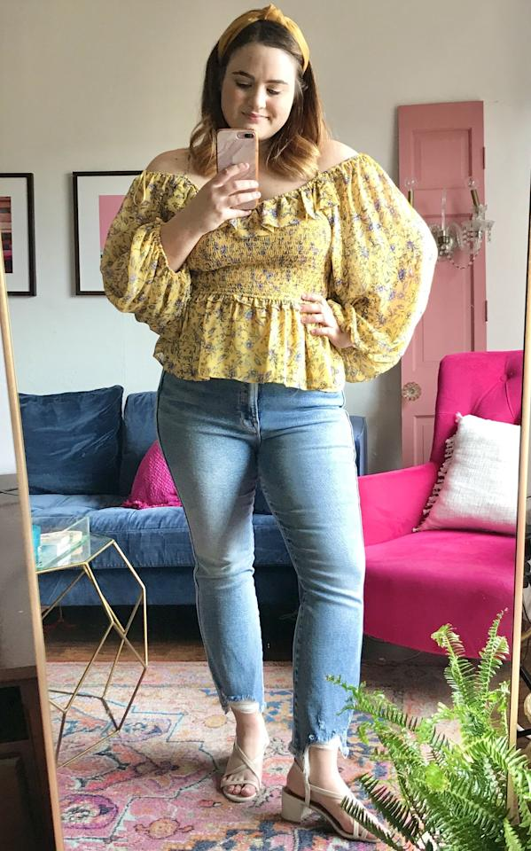 """<p><strong>The Pieces in My Trunk:</strong><br> <a href=""""https://www.popsugar.com/buy/Good-American-Good-Curve-High-Waist-Fray-Hem-Straight-Leg-Jeans-578662?p_name=Good%20American%20Good%20Curve%20High%20Waist%20Fray%20Hem%20Straight%20Leg%20Jeans&retailer=shop.nordstrom.com&pid=578662&price=88&evar1=fab%3Aus&evar9=47518852&evar98=https%3A%2F%2Fwww.popsugar.com%2Fphoto-gallery%2F47518852%2Fimage%2F47518853%2FZoom-Video-Happy-Hour&list1=reviews%2Cshopping%2Cnordstrom%2Ceditors%20pick%2Cproduct%20reviews%2Csubscription%20boxes%2Cfashion%20shopping%2Cstaying%20home&prop13=api&pdata=1"""" rel=""""nofollow"""" data-shoppable-link=""""1"""" target=""""_blank"""" class=""""ga-track"""" data-ga-category=""""Related"""" data-ga-label=""""https://shop.nordstrom.com/s/good-american-good-curve-high-waist-fray-hem-straight-leg-jeans-regular-plus-size/5329655?origin=keywordsearch-personalizedsort&amp;breadcrumb=Home%2FAll%20Results&amp;color=blue313"""" data-ga-action=""""In-Line Links"""">Good American Good Curve High Waist Fray Hem Straight Leg Jeans</a> ($88, originally $175)<br> <a href=""""https://www.popsugar.com/buy/ASTR-Label-Ruffle-Off--Shoulder-Smocked-Top-578666?p_name=ASTR%20the%20Label%20Ruffle%20Off-the-Shoulder%20Smocked%20Top&retailer=shop.nordstrom.com&pid=578666&price=35&evar1=fab%3Aus&evar9=47518852&evar98=https%3A%2F%2Fwww.popsugar.com%2Fphoto-gallery%2F47518852%2Fimage%2F47518853%2FZoom-Video-Happy-Hour&list1=reviews%2Cshopping%2Cnordstrom%2Ceditors%20pick%2Cproduct%20reviews%2Csubscription%20boxes%2Cfashion%20shopping%2Cstaying%20home&prop13=api&pdata=1"""" rel=""""nofollow"""" data-shoppable-link=""""1"""" target=""""_blank"""" class=""""ga-track"""" data-ga-category=""""Related"""" data-ga-label=""""https://shop.nordstrom.com/s/astr-the-label-ruffle-off-the-shoulder-smocked-top/5477149?origin=keywordsearch-personalizedsort&amp;breadcrumb=Home%2FAll%20Results&amp;color=yellow%20floral"""" data-ga-action=""""In-Line Links"""">ASTR the Label Ruffle Off-the-Shoulder Smocked Top</a> ($35, originally $69)</p> <p><strong>The Verdict:</strong> I am so obs"""