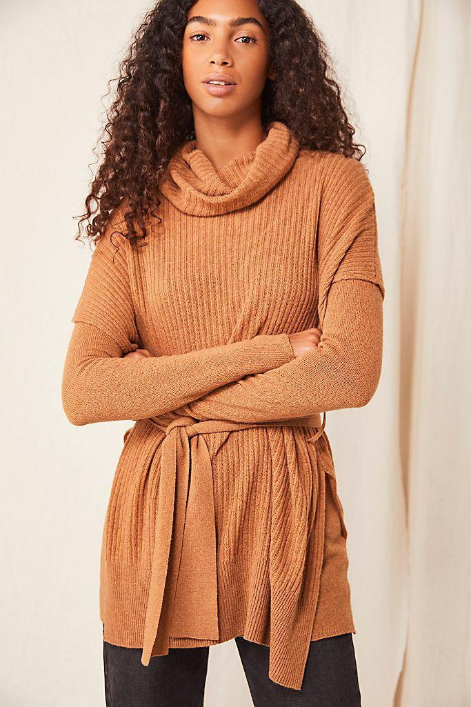 """<br><br><strong>Free People</strong> Whistler Luxe Sweater Set, $, available at <a href=""""https://go.skimresources.com/?id=30283X879131&url=https%3A%2F%2Fwww.freepeople.com%2Fshop%2Fwhistler-luxe-sweater-set%2F%3Fcategory%3DSEARCHRESULTS%26color%3D023"""" rel=""""nofollow noopener"""" target=""""_blank"""" data-ylk=""""slk:Free People"""" class=""""link rapid-noclick-resp"""">Free People</a>"""