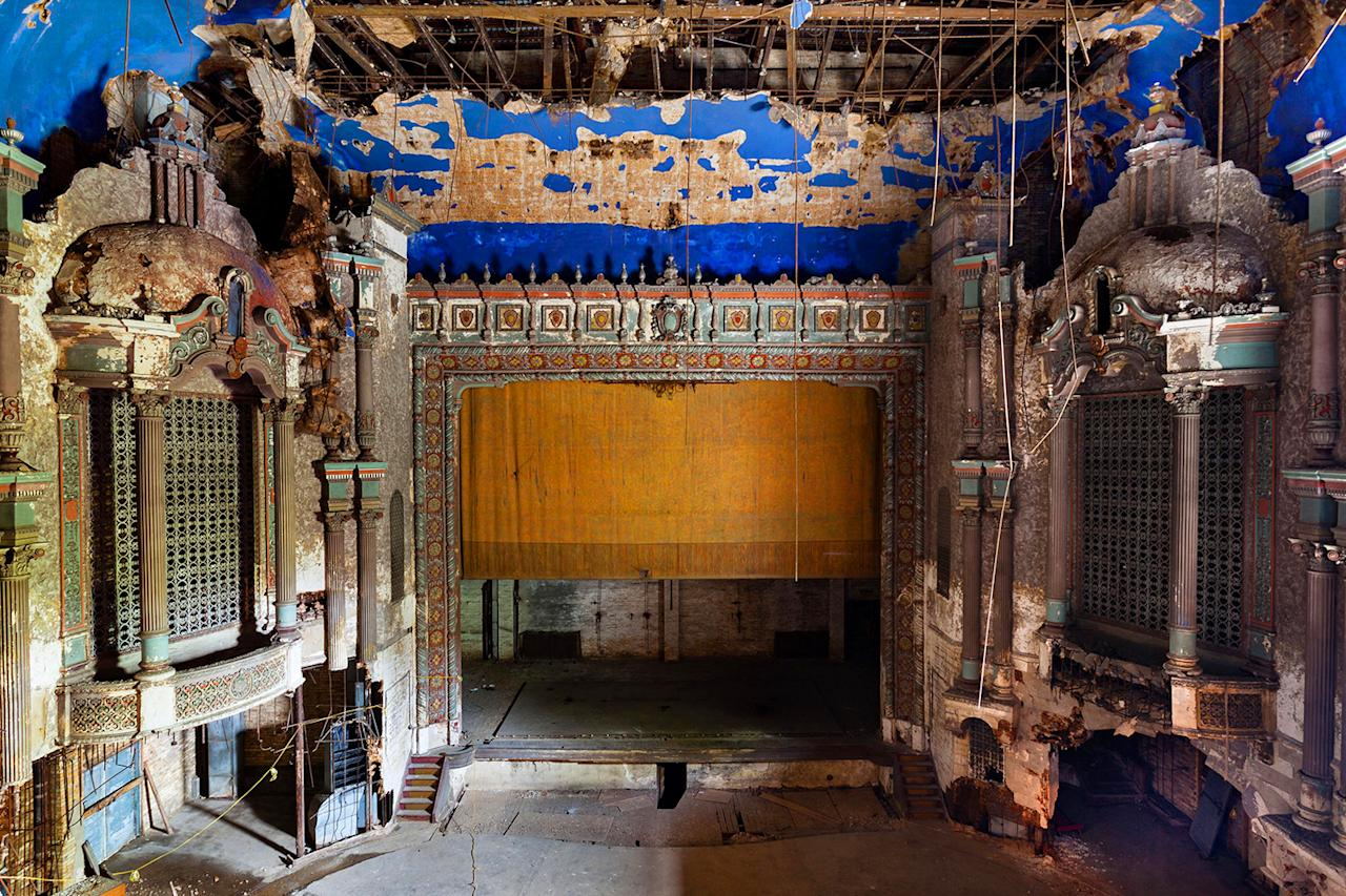 <p>Matt Lambros, a photographer from Brooklyn, N.Y., began creating his series of beautiful images depicting abandoned theaters across America in 2009. (Photo: Matt Lambros/Caters News) </p>