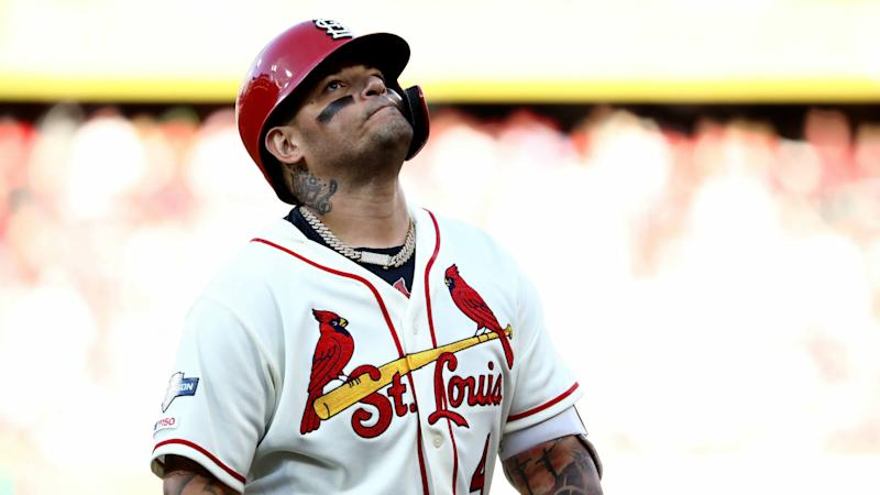 Cardinals' Yadier Molina posts, deletes Instagram group photo with 'f— covid' caption