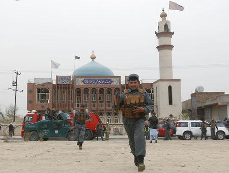 27 killed as blast hits Shia mosque in Kabul