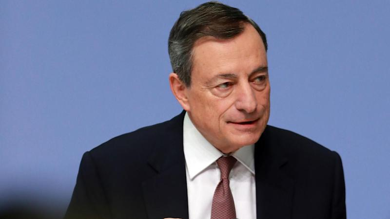 La Bce non cambia la forward guidance. Draghi: