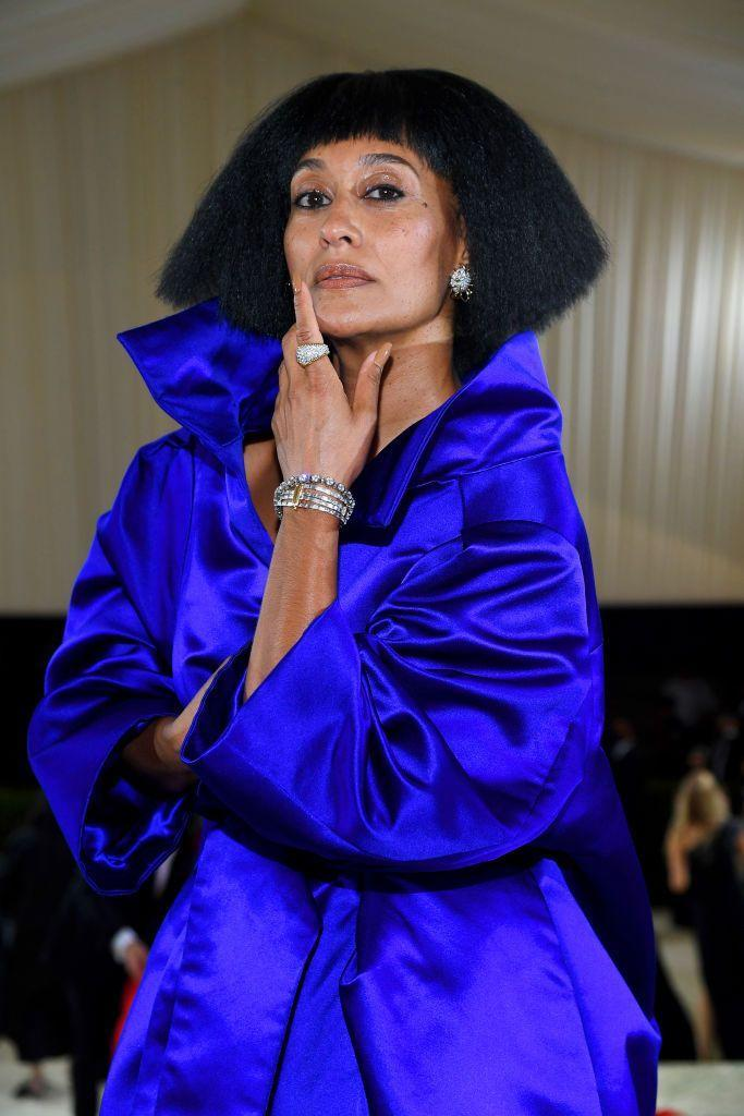 <p>Tracee Ellis Ross has never been one to play shy. This time around, she opted for a short, chin-length bob that grazed her high collar. </p>