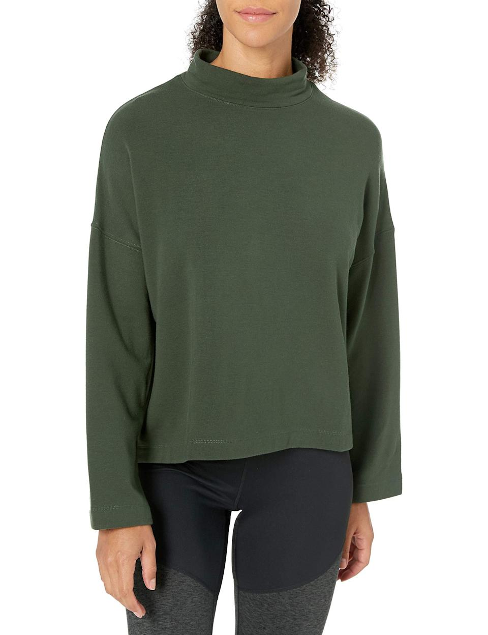"https://amzn.to/2Fm9CDW<br><br><strong>Core 10</strong> Cloud Soft Yoga Fleece Mock Dolman Sweatshirt, $, available at <a href=""https://amzn.to/2Fm9CDW"" rel=""nofollow noopener"" target=""_blank"" data-ylk=""slk:Amazon"" class=""link rapid-noclick-resp"">Amazon</a>"