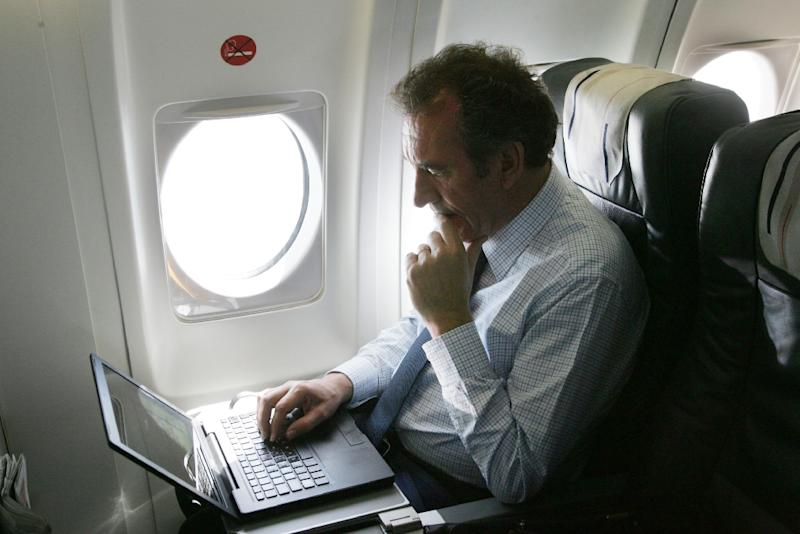 USA may ban laptop in passenger cabins of global flights
