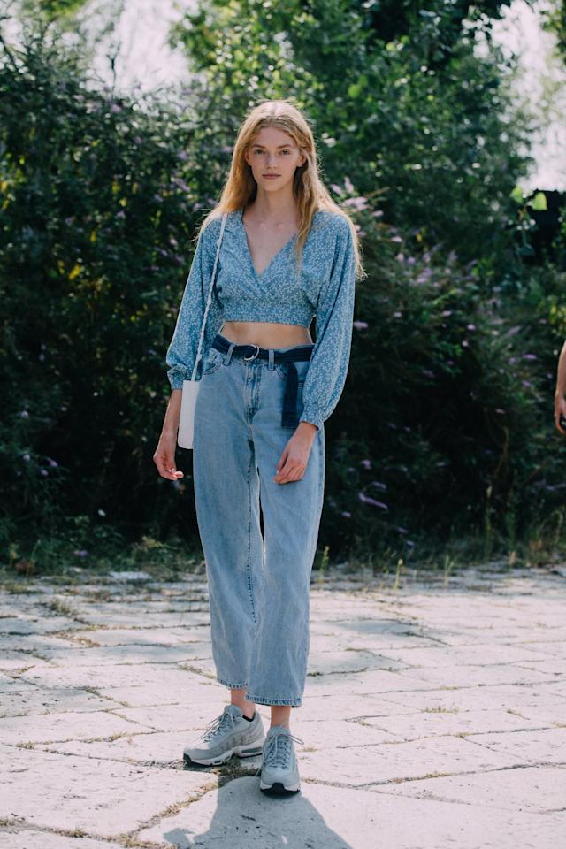 """<p><a href=""""https://www.popsugar.com/fashion/Feminine-Denim-Trend-46022959"""" class=""""ga-track"""" data-ga-category=""""Related"""" data-ga-label=""""https://www.popsugar.com/fashion/Feminine-Denim-Trend-46022959"""" data-ga-action=""""In-Line Links"""">Jeans in the heat</a> can feel stifling. Instead, try a cropped top with loose-fitting bottoms.</p>"""