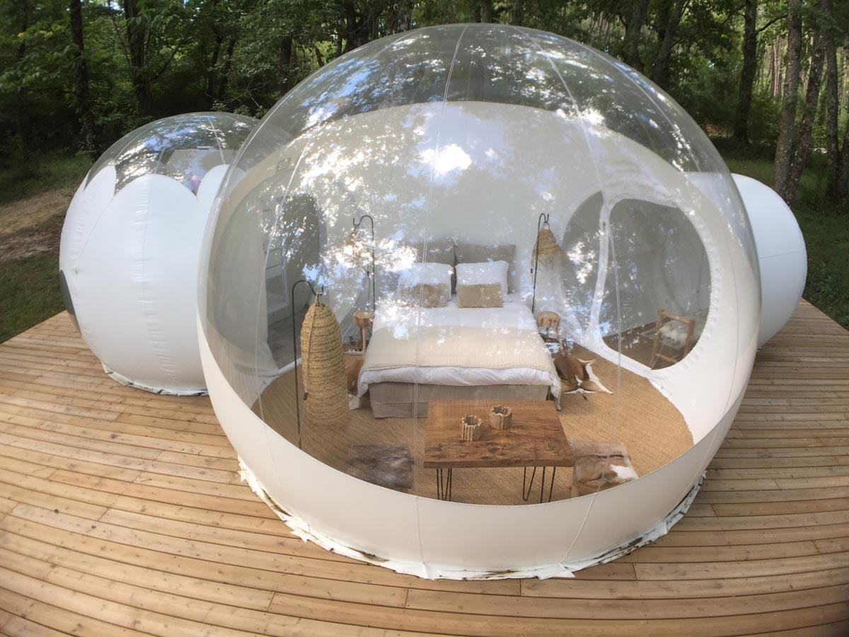 Guests can choose between completely transparent and semi-transparent bubble pods.