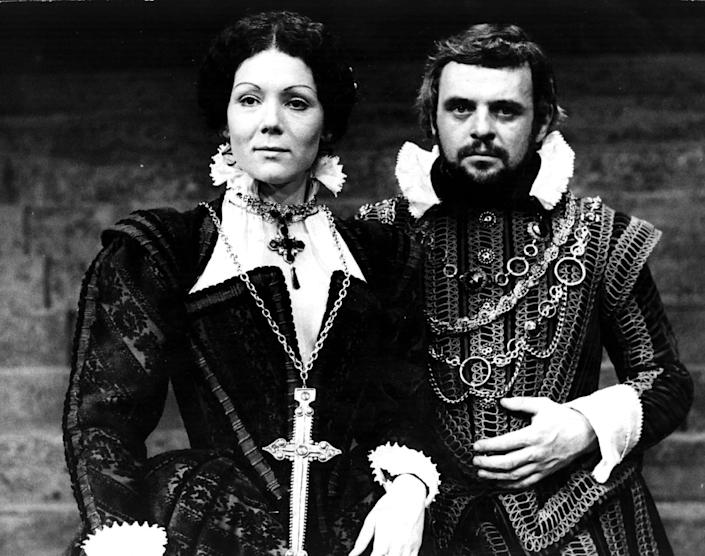 Diana Rigg as Lady Macbeth with Anthony Hopkins as Macbeth (National Theatre) at the Old Vic in 1972 - Steve Wood/Getty