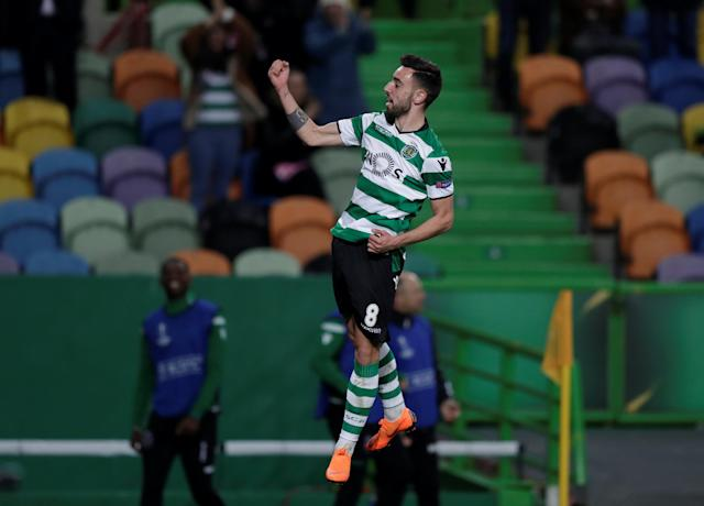 Soccer Football - Europa League Round of 32 Second Leg - Sporting CP vs Astana - Estadio Jose Alvalade, Lisbon, Portugal - February 22, 2018 Sporting's Bruno Fernandes celebrates scoring their third goal REUTERS/Rafael Marchante