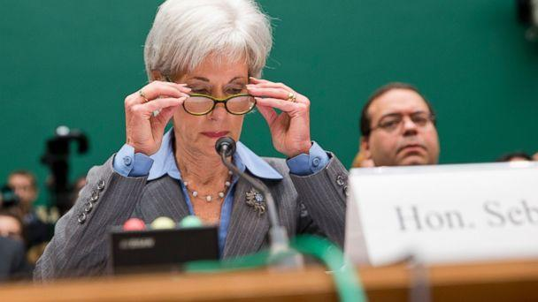 ap kathleen sebelius ll 131030 16x9 608 Obamacare Paper, Phone, Web Apps Stuck in the Same Queue, Memos Note