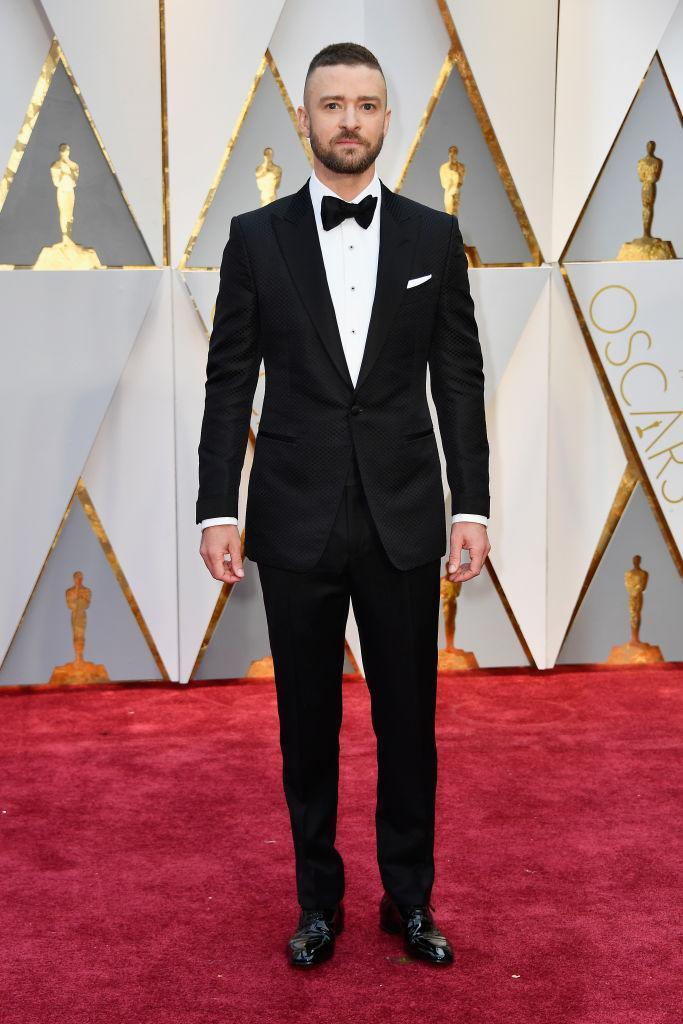 <p>Before performing his hit <em>Can't Stop the Feeling</em>, Justin Timberlake walked the red carpet in a Tom Ford tuxedo. <em>(Photo: Getty Images)</em> </p>