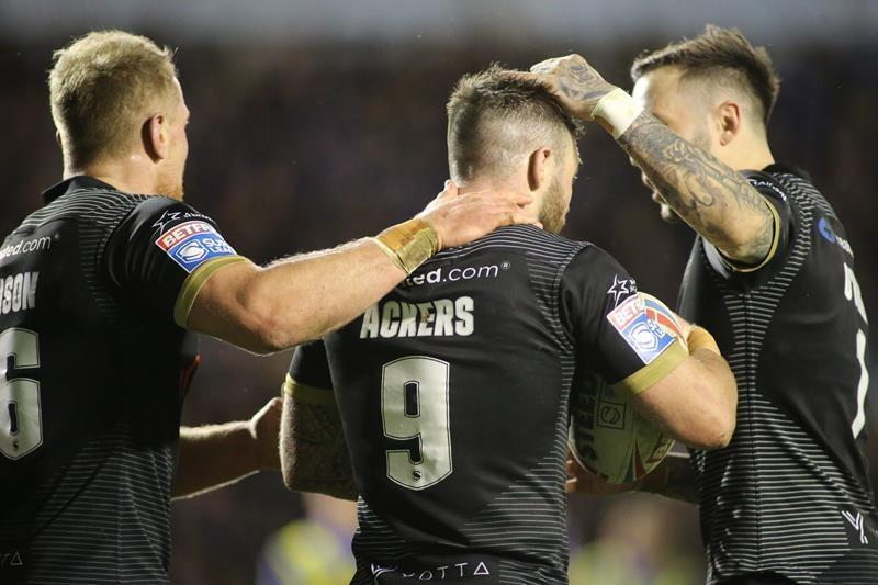 Toronto Wolfpack hooker Andy Ackers moonlights as barber away from rugby league