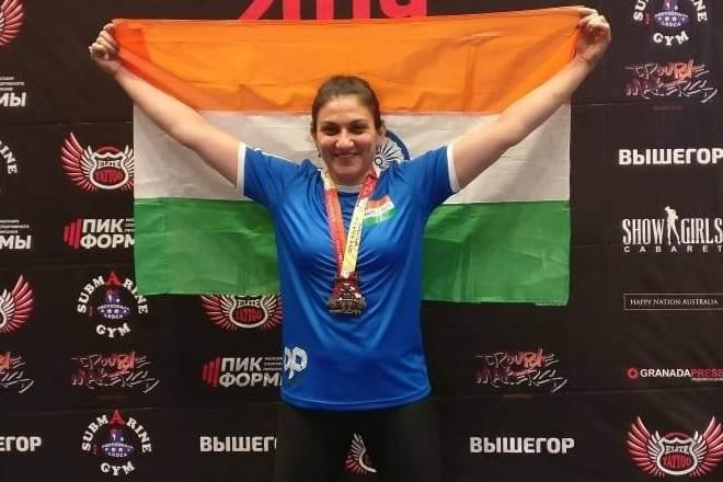 Bhavna Tokekar, Bhavna Bhave Tokekar, powerlifting, weightlifting, 47-year-old mother, 4 golds, Open Asian championships, Russia, weight training, Indian Air Force, fighter pilot, IAF, Youtube, Instagram, Mohammed Azmat, Masters2 category