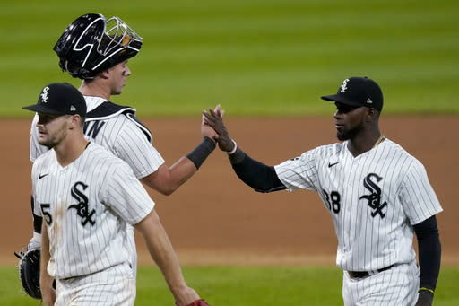 Dunning pitches White Sox past Twins for 6th straight win