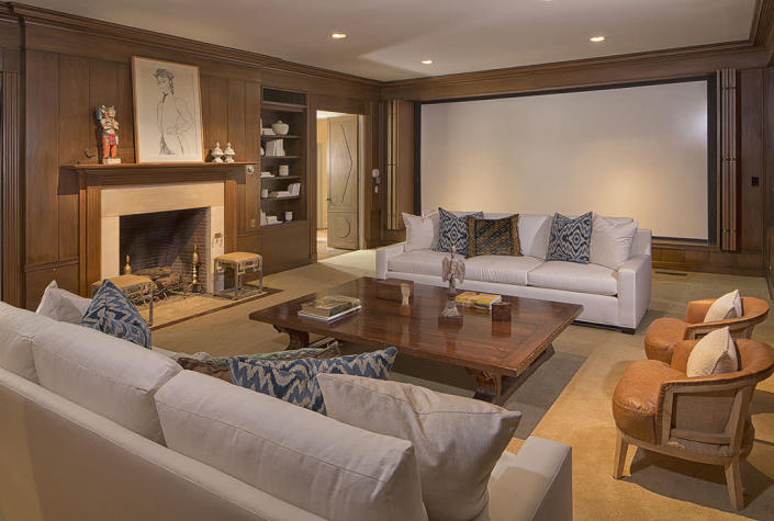 <p>You could hardly call it a Goldwyn house if it didn't have a screening room.<br></p>