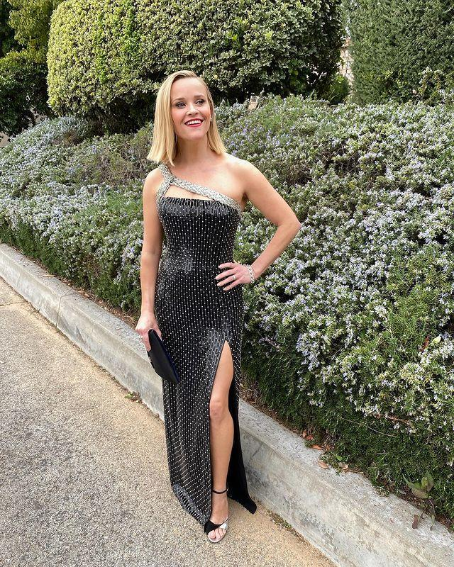 """<p>She said in a recent interview that she typically sticks to liquids for breakfast. 'I just have a green juice and a coffee in the morning,' she told UK outlet <a href=""""https://www.womenshealthmag.com/weight-loss/a29547718/jennifer-aniston-reese-witherspoon-intermittent-fasting/"""" rel=""""nofollow noopener"""" target=""""_blank"""" data-ylk=""""slk:Radio Times"""" class=""""link rapid-noclick-resp"""">Radio Times</a>.</p><p><a href=""""https://www.instagram.com/p/B7hTt4TA-oG/"""" rel=""""nofollow noopener"""" target=""""_blank"""" data-ylk=""""slk:See the original post on Instagram"""" class=""""link rapid-noclick-resp"""">See the original post on Instagram</a></p>"""