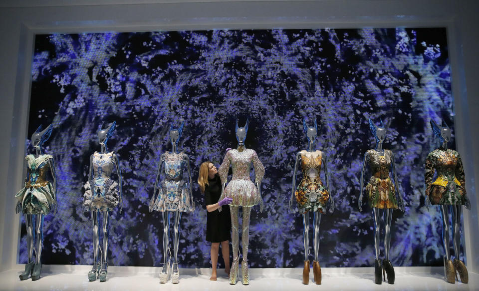 The Alexander McQueen: Savage Beauty exhibition drew sell-out crowds in New York City and London. (Photo: REUTERS/Suzanne Plunkett)