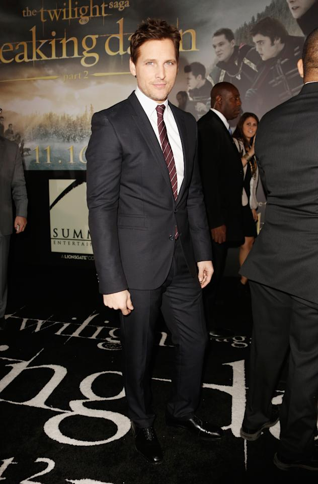 "Peter Facinelli arrives at ""The Twilight Saga: Breaking Dawn - Part 2"" Los Angeles premiere at Nokia Theatre L.A. Live on November 12, 2012 in Los Angeles, California.  (Photo by Jeff Vespa/WireImage)"