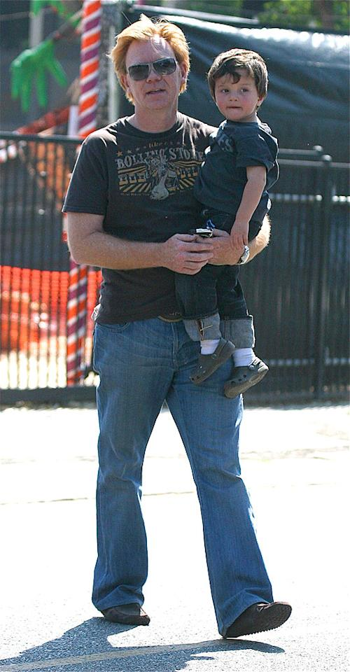 """""""CSI: Miami"""" lead David Caruso carries his son Marquez into the paparazzi-infested mess. Zodiac/<a href=""""http://www.splashnewsonline.com"""" target=""""new"""">Splash News</a> - October 12, 2008"""