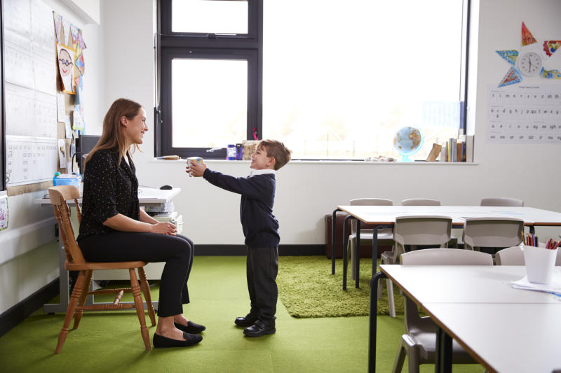 How much should parents fork out on presents for their children's teacher? [Photo: Getty]