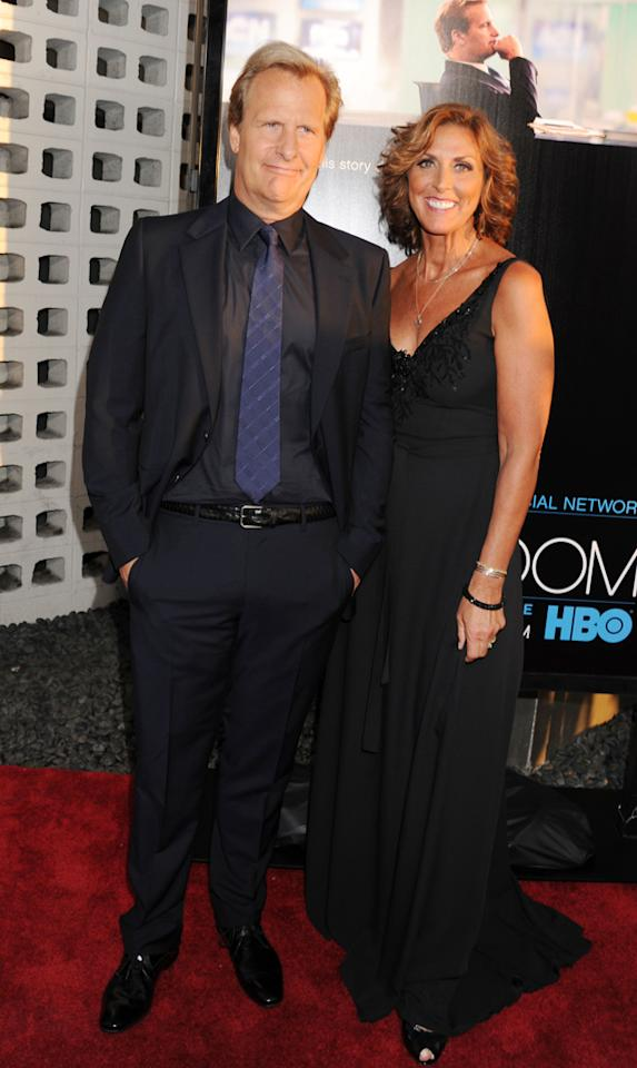"""Jeff Daniels and wife Kathleen Treado arrive at the Los Angeles premiere of HBO's """"The Newsroom"""" at ArcLight Cinemas Cinerama Dome on June 20, 2012 in Hollywood, California."""